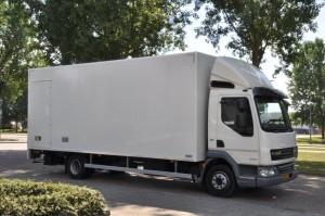 Bedrijfswagen vrachtwagen DAF LF45 40 M3 Voorkant Huur Verhuur Logistiek Detachering Personeel www.jamlogistics.nl .jpg